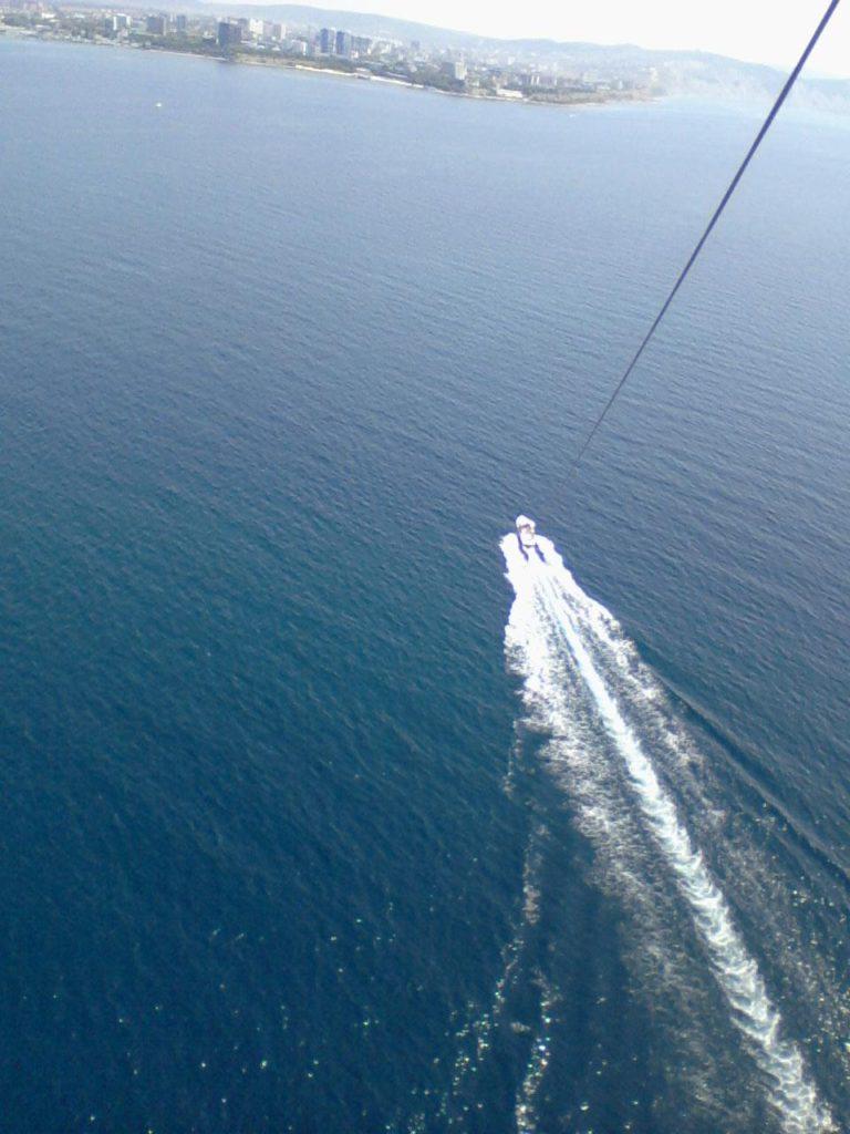 вид на море с парашюта