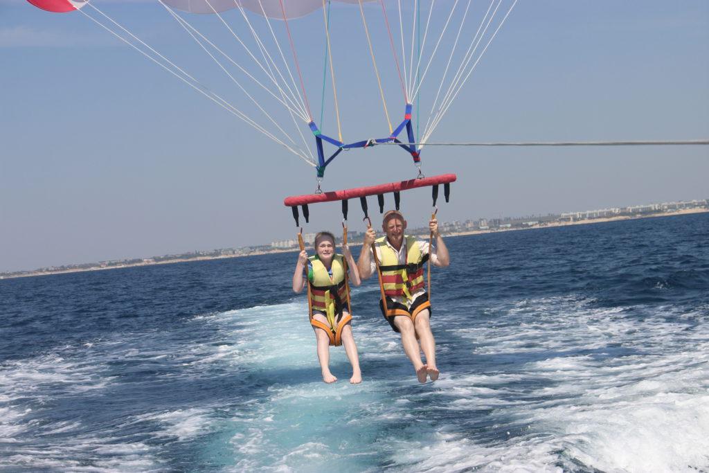 парашют за катером