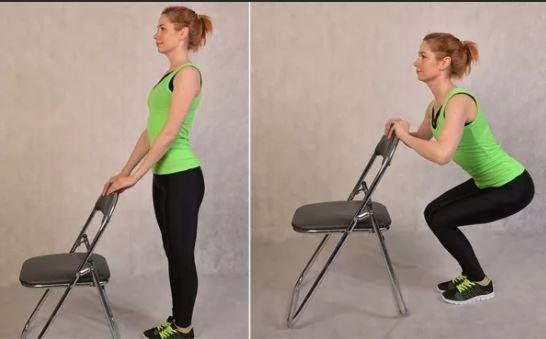 приседы с опорой на стул